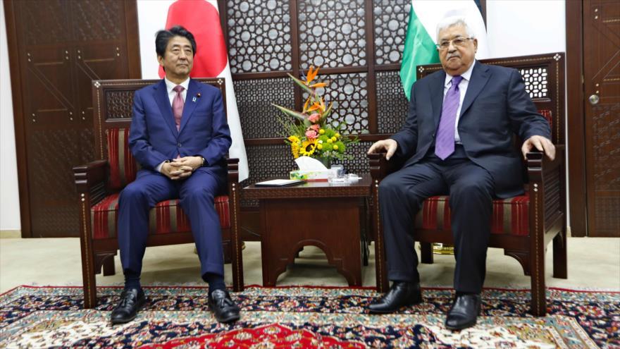 Abe asegura a Abás: Japón no trasladará su embajada a Al-Quds