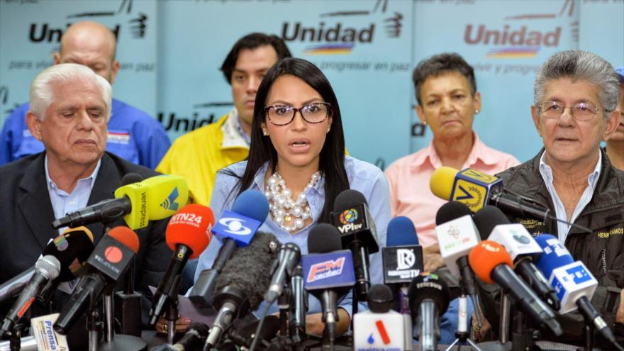 Oposición venezolana llama a no votar y pide comicios en diciembre