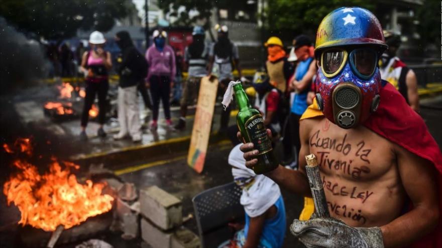Zajárova: EEUU trata de aislar a Venezuela antes de las elecciones presidenciales