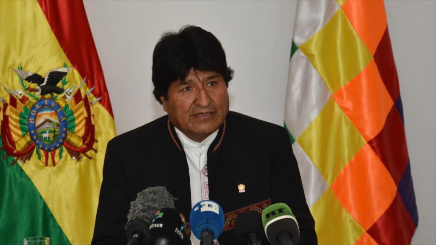 El presidente boliviano Evo Morales habla durante una conferencia de prensa en La Habana capital de Cuba 23 de abril de 2018