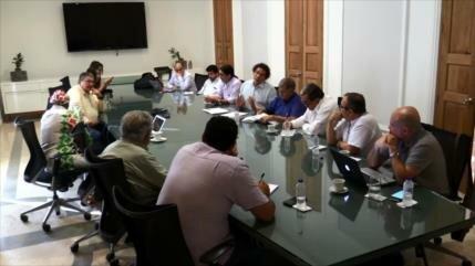 Gobierno colombiano y la FARC analizan la crisis del posconflicto