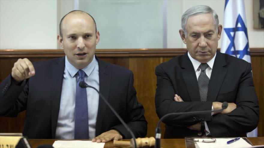 El ministro de Educación, Naftali Bennet, (izq.) y el primer ministro israelí, Benyamin Netanyahu, 30 de agosto de 2016.