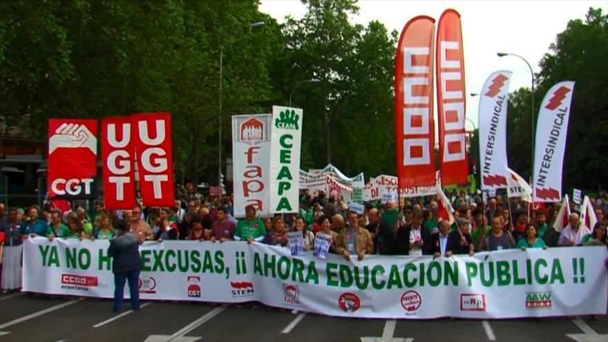 Profesores protestan contra los recortes educativos en España