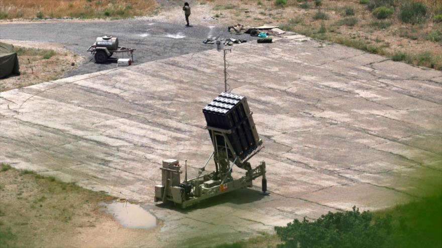 Una batería del sistema antimisiles Cúpula de Hierro del régimen israelí desplegado en los altos del Golán, 7 de mayo de 2018.