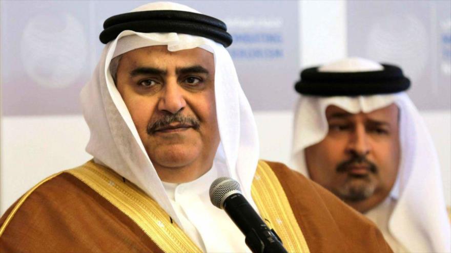 El canciller bareiní, el sheij Jalid Bin Ahmad Al Jalifa, ofrece una rueda de prensa en Manama (capital), 9 de noviembre de 2014.