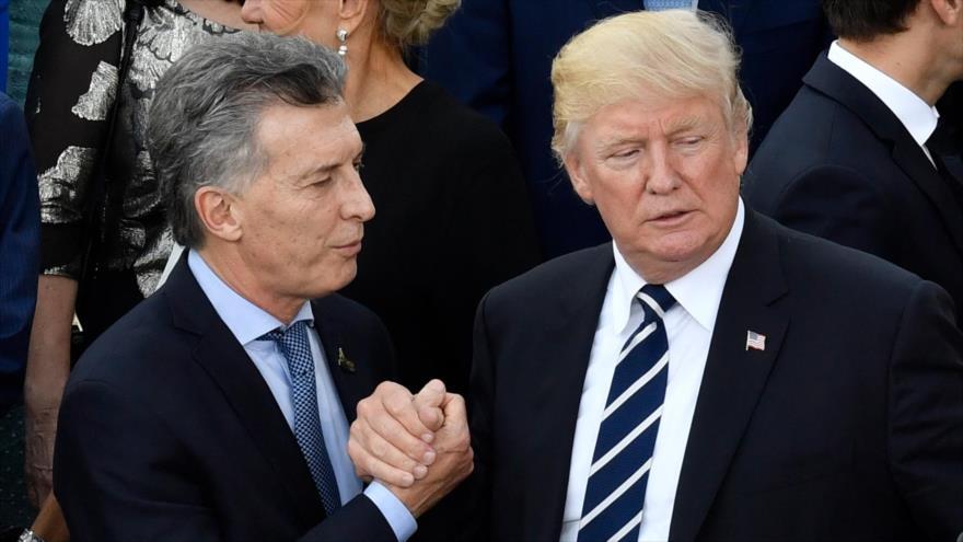 El presidente argentino, Mauricio Macri (izq.) y su par estadounidense, Donald Trump, en el marco de la cumbre del G20 en Alemania, 7 de julio de 2017.