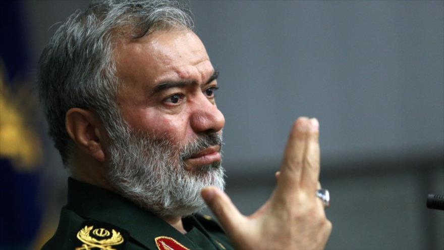 El comandante de la Fuerza Naval del Cuerpo de Guardianes de la Revolución Islámica (CGRI) de Irán, el contralmirante Ali Fadavi.