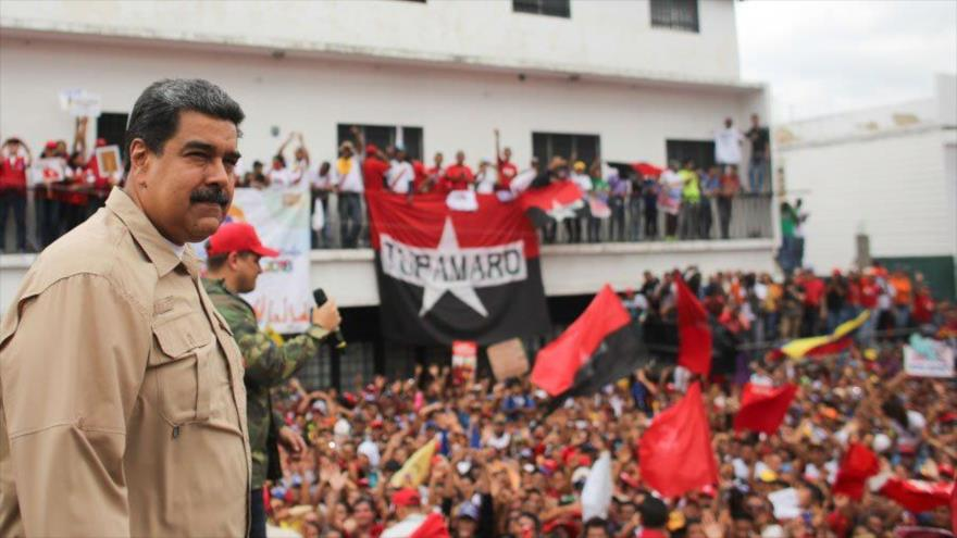 Maduro denuncia imperialismo 'loco' de EEUU hacia Venezuela