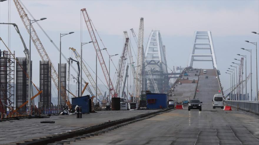 Vídeo: Putin desafía a Ucrania con un puente entre Rusia y Crimea
