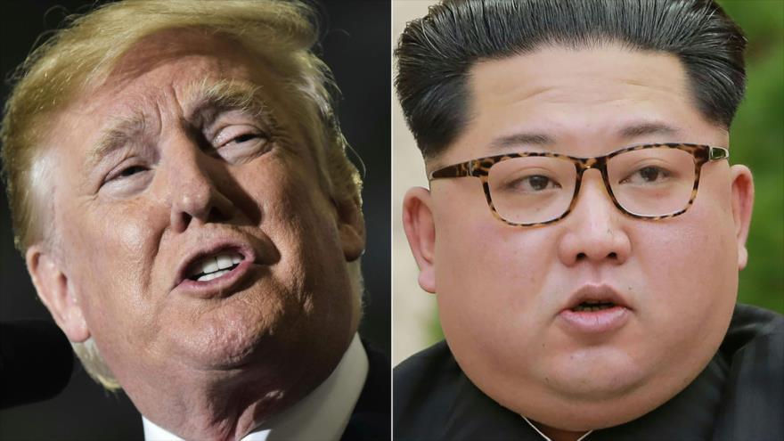 El líder de Corea del Norte, Kim Jong-un, (dcha.) y el presidente de EE.UU., Donald Trump.