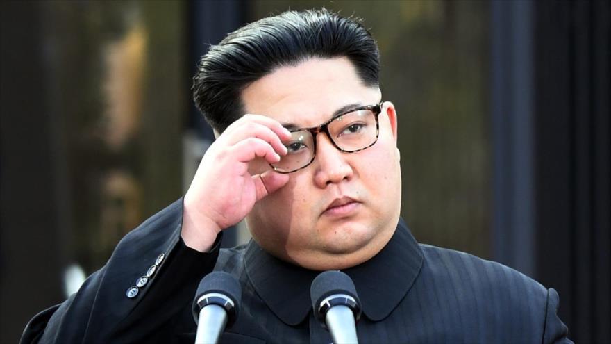 El líder norcoreano, Kim Jong-un, en la aldea fronteriza de Panmunjom, 27 de abril de 2018.
