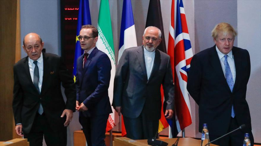 Desde la dcha. el canciller británico, Boris Johnson; el iraní, Yavad Zarif, el alemán Heiko Maas; y el francés, Jean-Yves Le Drian, 15 de mayo de 2018.