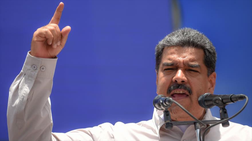 El presidente venezolano, Nicolás Maduro, pronuncia un discurso durante un mitin de campaña en Charallave, Venezuela, 15 de mayo de 2018.