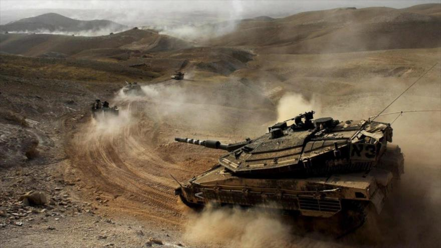 Carros de combate israelíes bombardean la Franja de Gaza