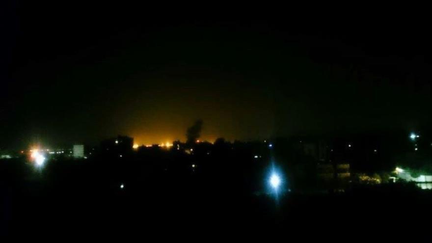 Explosiones causadas por los bombardeos del régimen israelí en la asediada Franja de Gaza, 16 de mayo de 2018.