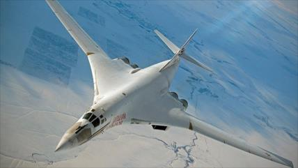 Bombarderos supersónicos Tu-160 protegerán a Rusia en el Ártico