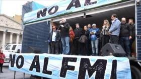 Multitudinaria protesta contra el regreso de Argentina al FMI