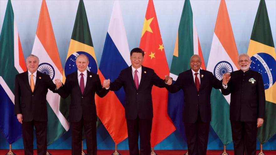 Los líderes de los países miembros del grupo BRICS reunidos en Xiamen (China), 5 de septiembre de 2017.