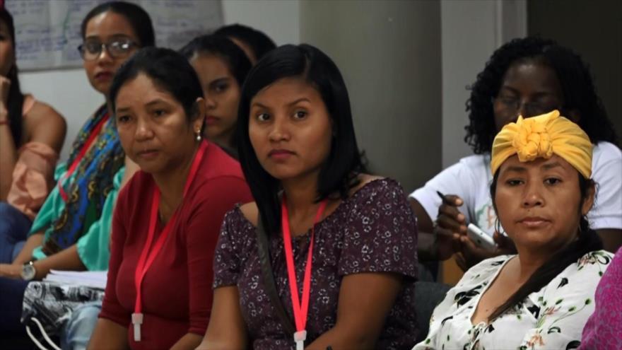 Mujeres víctimas en Colombia se preparan en sus derechos | HISPANTV