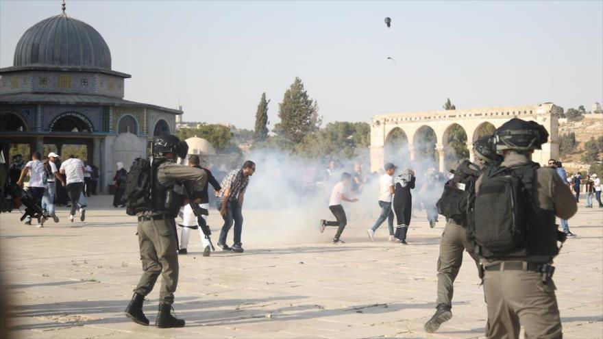 Vídeo: Colonos y soldados israelíes irrumpen en Mezquita Al-Aqsa
