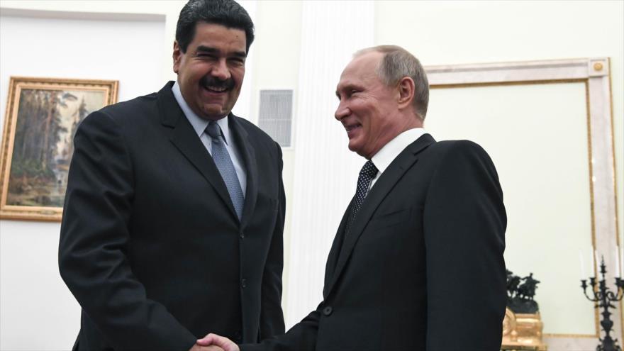 El presidente ruso, Vladimir Putin, durante una reunión con su homólogo venezolano, Nicolás Maduro, en Moscú, capital rusa, 4 de octubre de 2017.