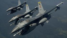 Cazas turcos atacan objetivos del PKK en el norte de Irak