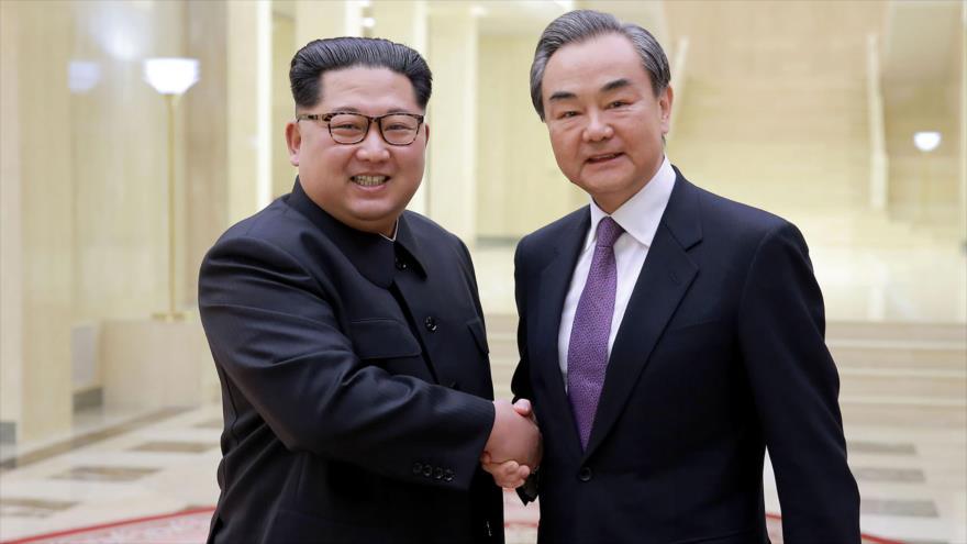 China rechaza llamada de Trump y defiende sus lazos con Pyongyang