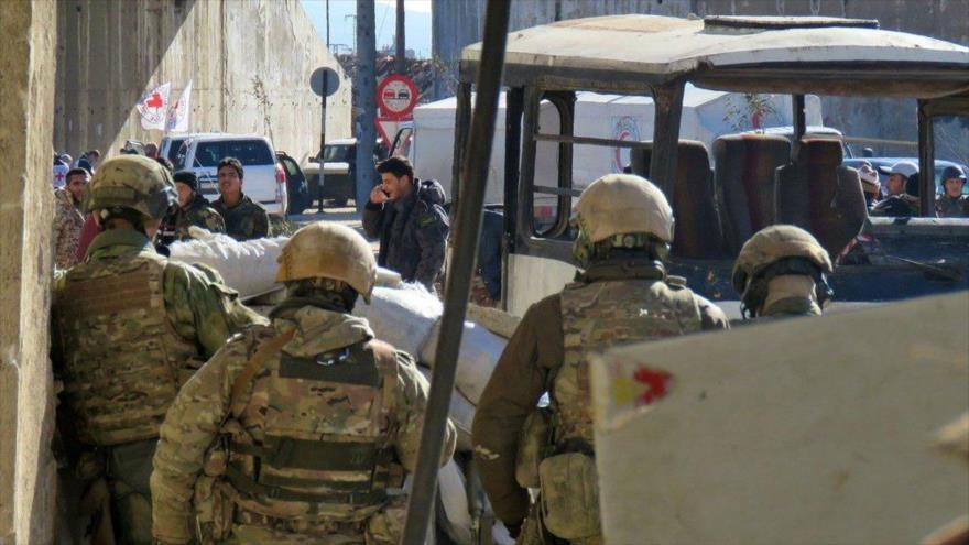 Siria negocia con los 'rebeldes' la evacuación de ciudades en Daraa
