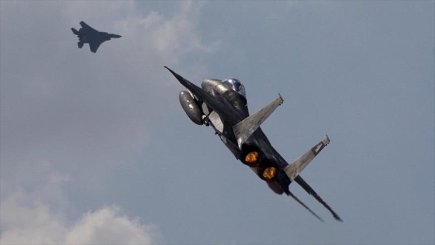 Aviones israelíes atacan un puerto en Gaza y destruyen dos barcos