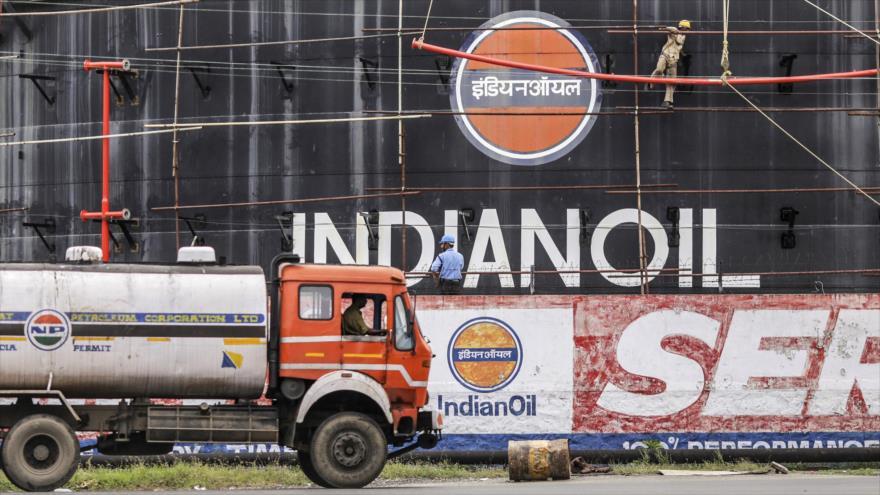 La India seguirá comprando crudo iraní pese a sanciones de EEUU