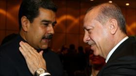 El presidente turco Erdogan felicita a Maduro por su reelección