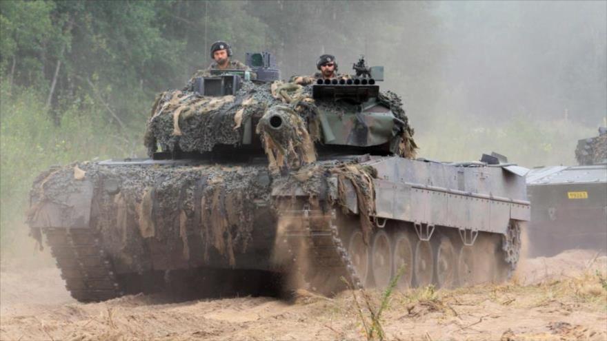 Tanques de la Organización del Tratado del Atlántico Norte (OTAN) durante una maniobra militar en Lituania, 11 de agosto de 2017.
