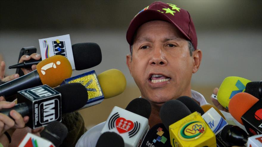 Falcón impugnará victoria de Maduro en presidenciales de Venezuela