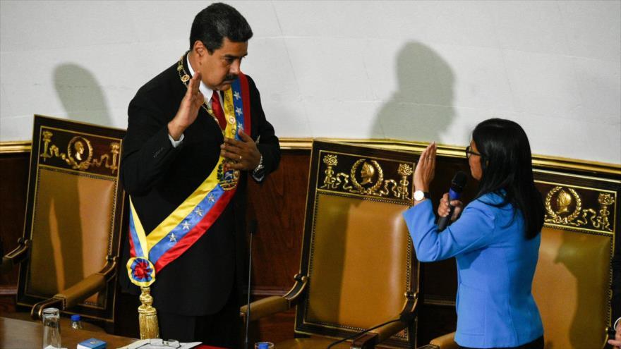 Maduro juró como presidente reelecto ante la oficialista Constituyente