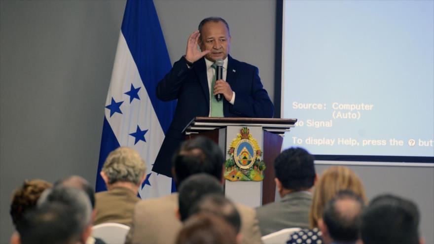 El ministro de Seguridad de Honduras, Julián Pacheco, en Tegucigalpa, 20 de marzo de 2017.