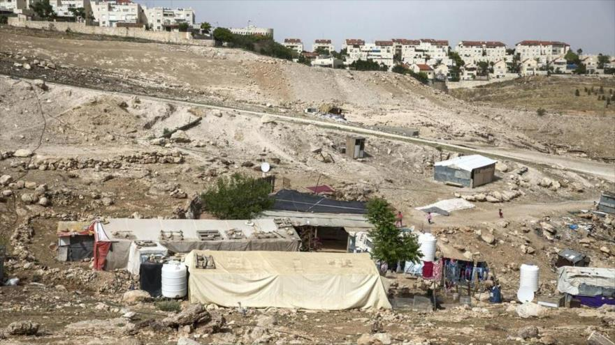 La aldea beduina Jan al-Ahmar al pie del asentamiento israelí Kfar Adumim en Cisjordania, 2 de mayo de 2018.