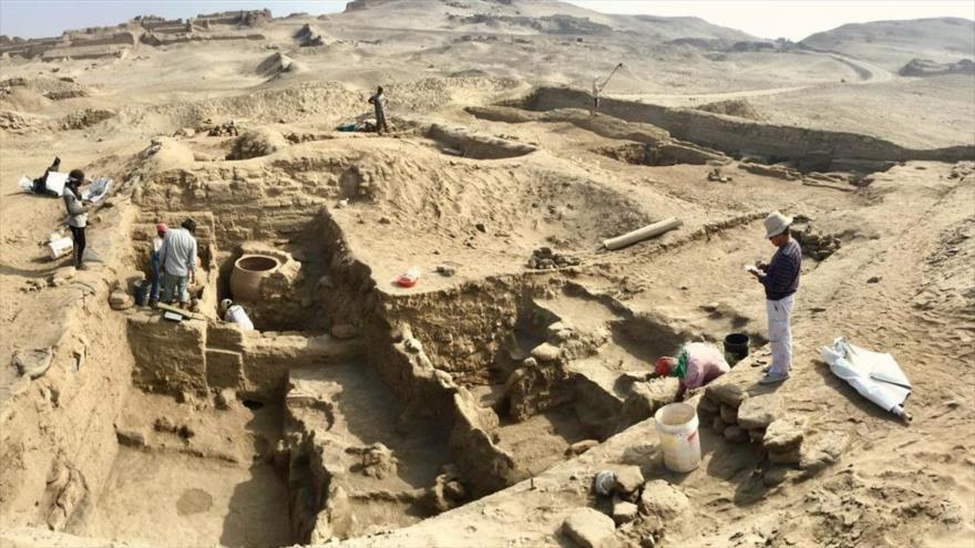 Descubren una momia intacta de mil años de antigüedad en Perú | HISPANTV