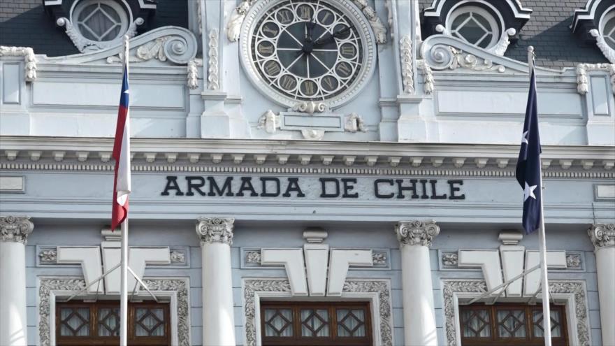 Exprisioneros políticos urgen por democratizar Armada de Chile