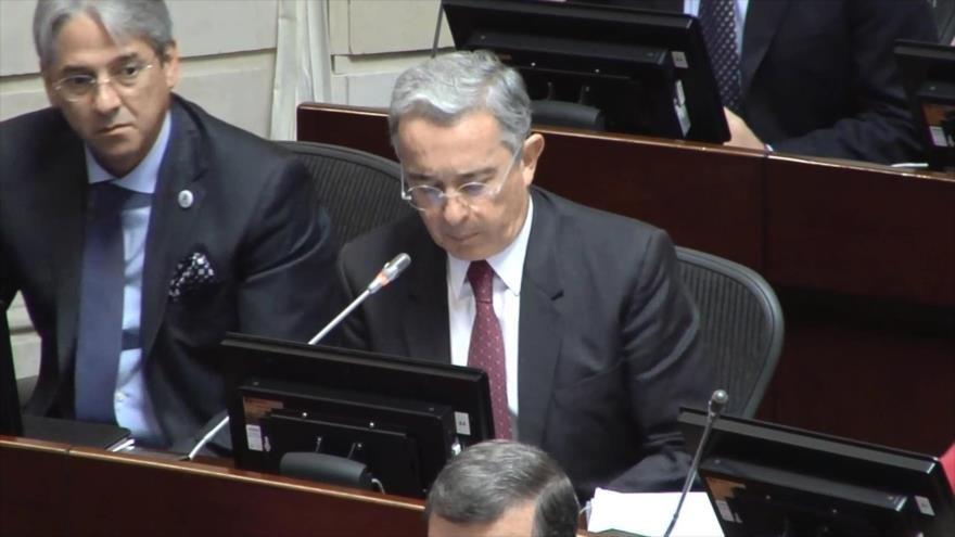 Cables de EU vinculan a Uribe con narcos de Colombia