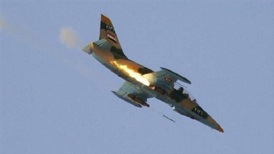 Vídeo: Fuerza Aérea siria ataca posiciones de terroristas en Hama