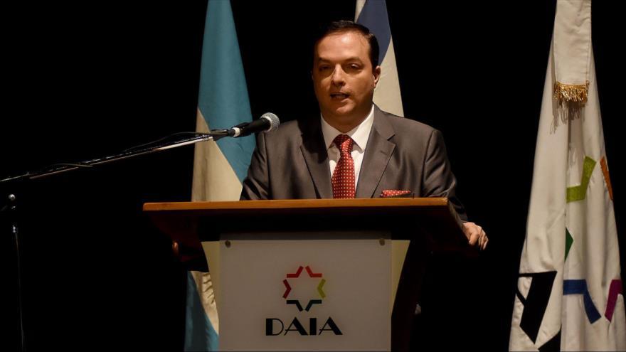 El exdirector de la Delegación de Asociaciones Israelitas Argentinas (DAIA) Ariel Cohen Sabban en un acto público, 20 de abril de 2018.
