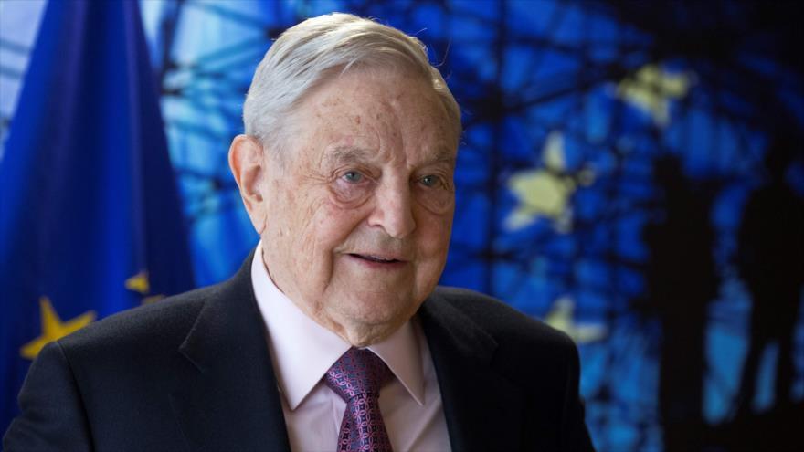 El multimillonario estadounidense George Soros llega a Bélgica para una reunión en Bruselas.