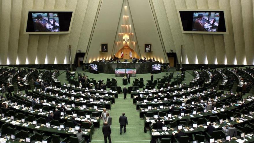 Irán demandará a EEUU por sus vínculos con ataques de Daesh en Teherán