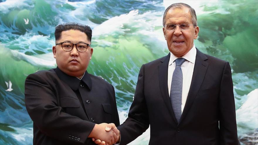 Kim Jong-un enfatiza a Lavrov su interés en cooperar con Rusia