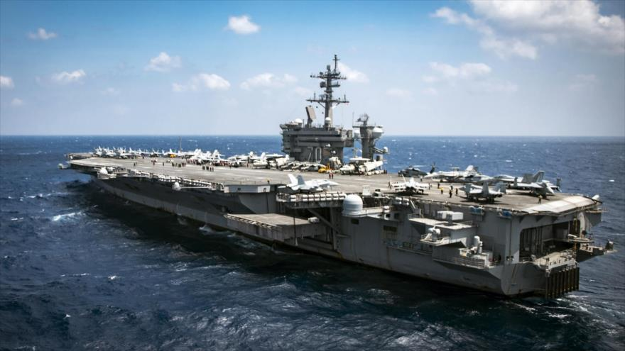El portaviones USS Carl Vinson de la Marina estadounidense en aguas del mar del Sur de China.