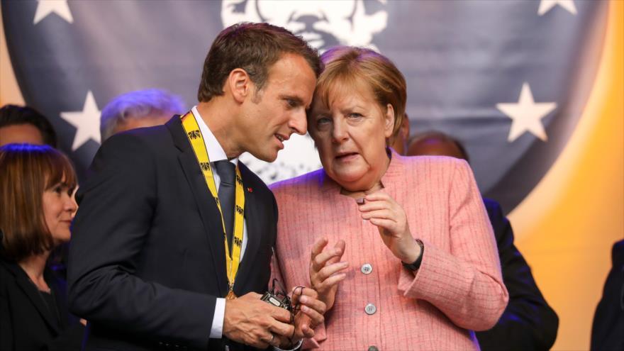 El presidente de Francia, Emmanuel Macron, y la canciller alemana, Angela Merkel, en Aachen, en Alemania, 10 de mayo de 2018.