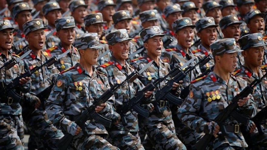 Pyongyang sigue maniobras navales pese a diálogos con Seúl y EEUU