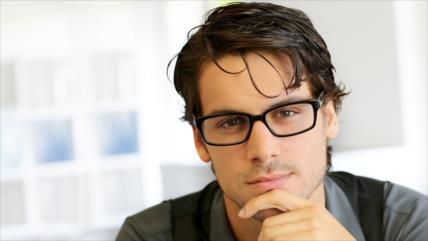 Estudio: Gente que usa gafas podría ser más inteligente