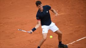 Zverev y Thiem avanzan a los octavos de Roland Garros en Francia