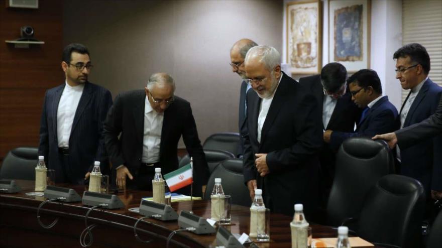 Pompeo advierte a Irán: Impediremos su acceso a armas nucleares